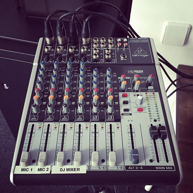 This guy may look little, but he makes #etikettradio possible! We love our mini #mixer.