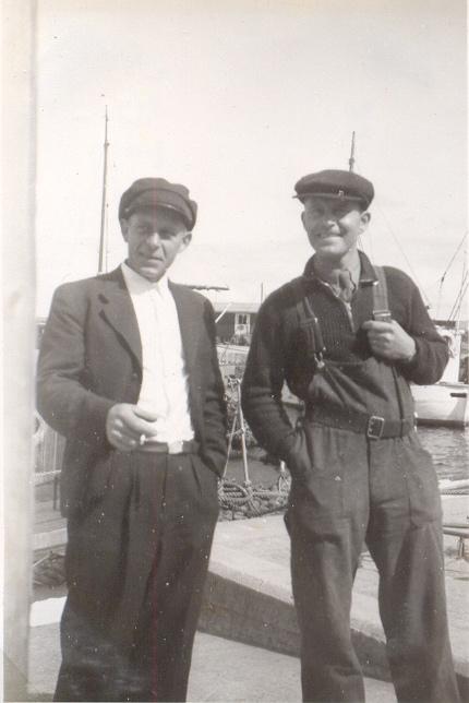 Kapten Christensen och Guldberg på depåfartyget Else.jpg