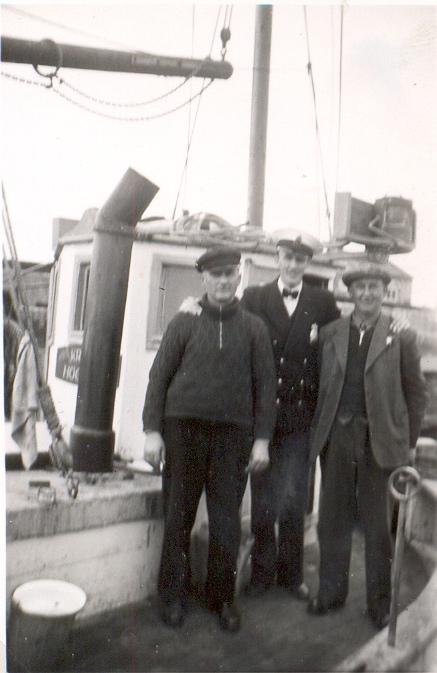 Tillsammans med Hilbert Pedersen och Sofus Pedersen.jpg