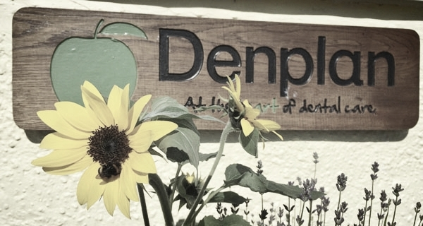 Honeycomb Dental Clinic's Denplan outdoor sign