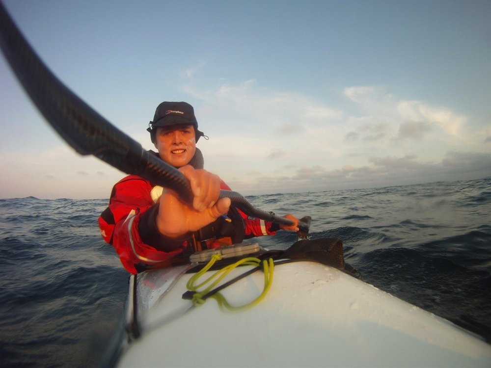 sarah-outen-on-her-kayak-in-the-pacific