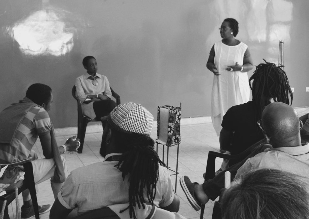 Participants of Àsìkò Art School with Bisi Silva, 2014. Ph: Erin Rice.
