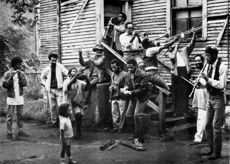 Wadsworth Jarrell, New Orleans–style group photo in painter Wadsworth Jarrell's backyard, c.1968. Courtesy of George Lewis.Featured in  The Freedom Principle: Experiments in Art and Music, 1965 to Now  at the MCA Chicago.