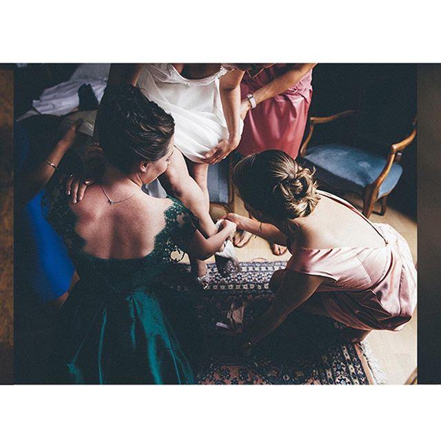 About Préparations  #wedding #preparatifs #smallpanties #shooting #shoes #dress #mariagefrançais #petiteculotte #dressing #strass #weddingtime #mariage #weddingphotography #happy #smile #weddingdress #frenchwedding #bride #bridesmaids #enjoy #indoor #naturallight