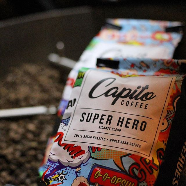 Need a boost?! ⚡️☕️ Try the Super Hero blend.  A kickass dark roast, transpiring a smoothly bold & subtlety strong cup.  Flavor notes: very mild acidity, walnut, molasses, dark chocolate finish. #coffea #specialitycoffee #coffee #arabicabeans #coffeetime #coffeelover #superhero #capitocoffee 👌☕️ 📷photo📷@vincentchasephotography