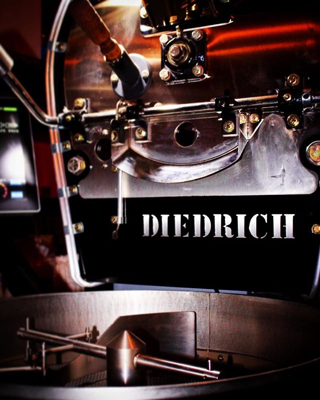 😍Absolute Love😍 Thank you @diedrichroasters for this beauty🙂🙏 📷@vincentchasephotography . . . .  #capitocoffee 👌☕️ #specialitycoffee #coffeeroaster #coffeeroastery #coffeehouse #coffeelover #roasterlife #diedrichroasters