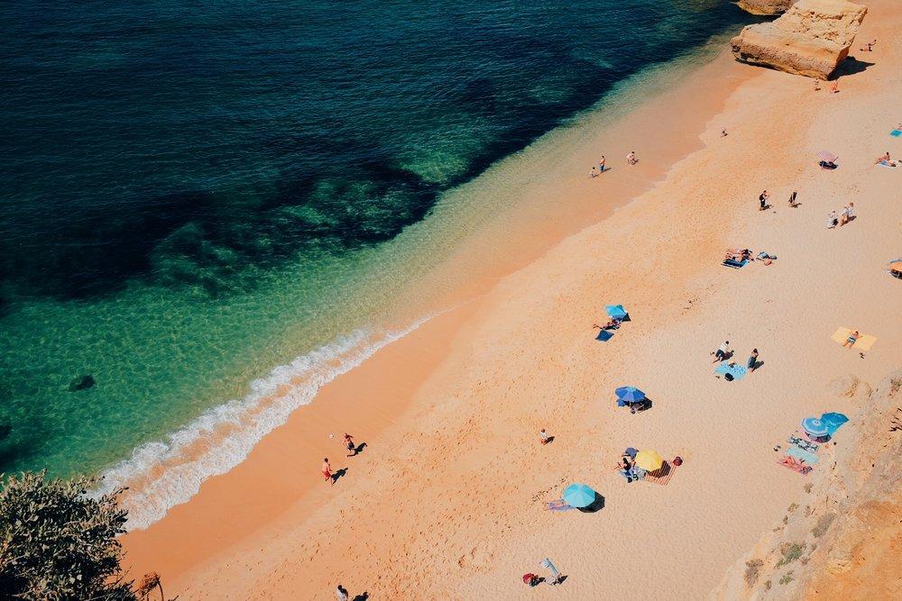 Praia da Marinha /  Marinha Beach