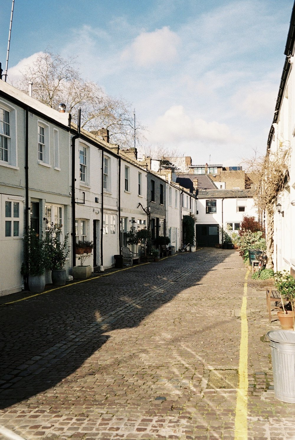 Notting Hill on a sunny day. / Notting Hill num dia solarengo.