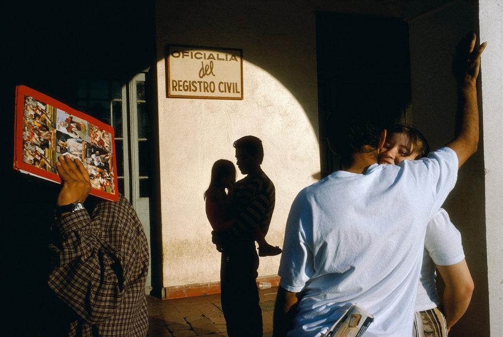 ALEX WEBB Nuevo Laredo, Mexico, 1996