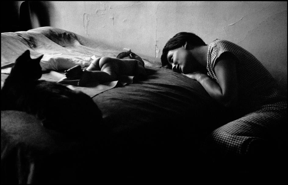 ELIOTT ERWITT,  New York (Mother and Baby),  1953