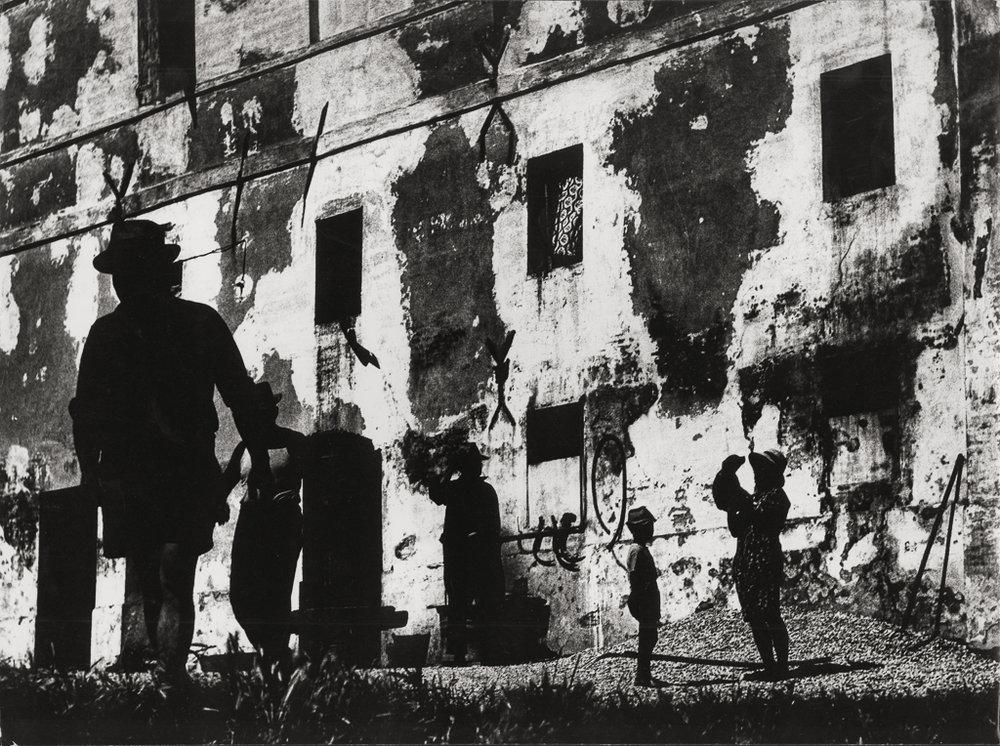 MARIO GIACOMELLI La Buona Terra 208 (Cartier-Bresson wall),1964-65