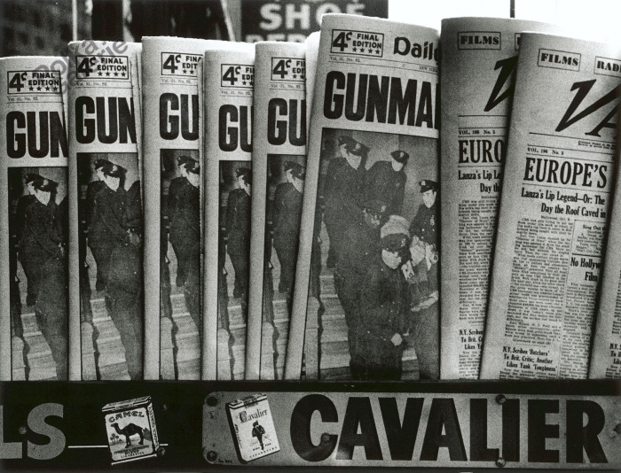 WILLIAM KLEIN,  Gun, Gun, Gun ,  New York,  1955