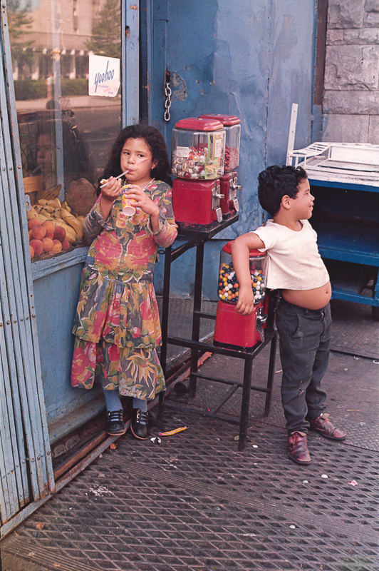 HELEN LEVITT,  Untitled (Gumball Machines), New York City , 1971