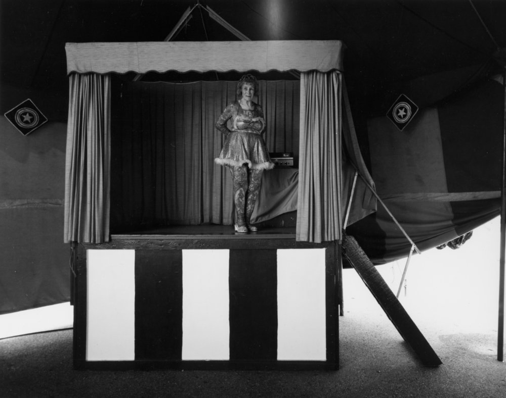 "RANDAL LEVENSON,  Anna ""Artoria"" Gibbons Standing in the Blow , Hall and Christ Sideshow, Lincoln, Nebraska, 1976"