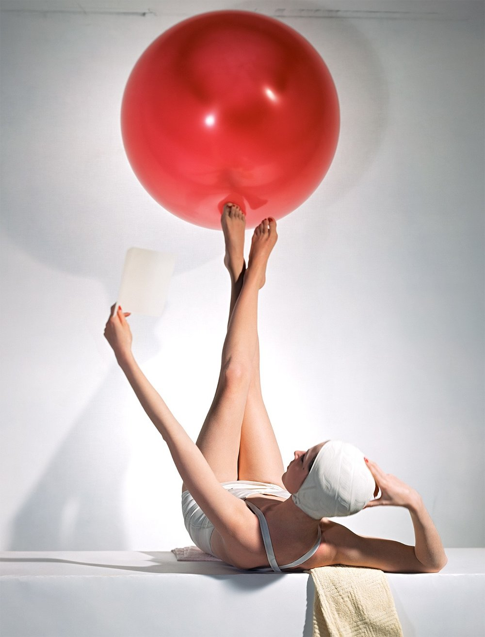 HORST P. HORST,  American Vogue Cover,  15 May, 1941