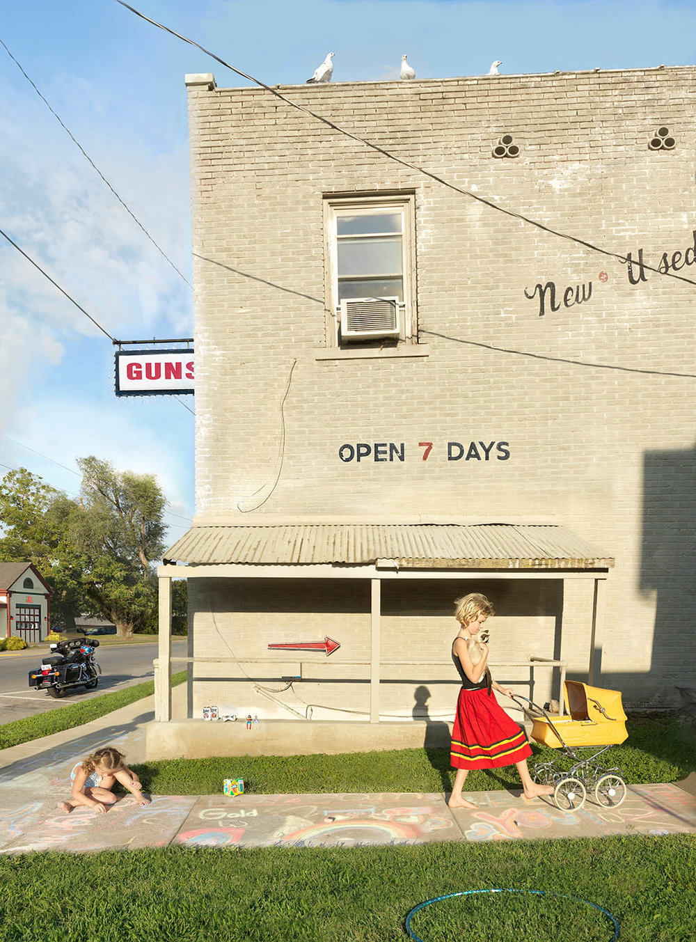 Julie Blackmon,  Sidewalk