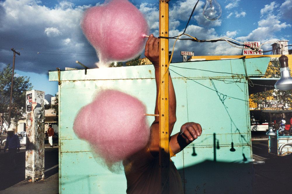 ALEX WEBB,  La Calle, Oaxaca, Mexico,  1990