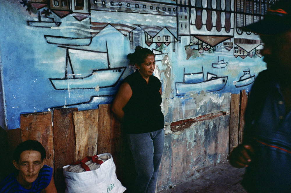 ALEX WEBB,  Violet Isle: A Duet of Photographs from Cuba, Cienfuegos, Cuba,  2007