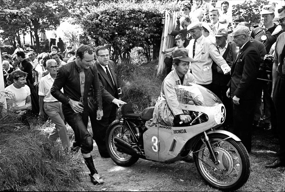 Hailwood_TT_1967_7_retouched (1).jpeg