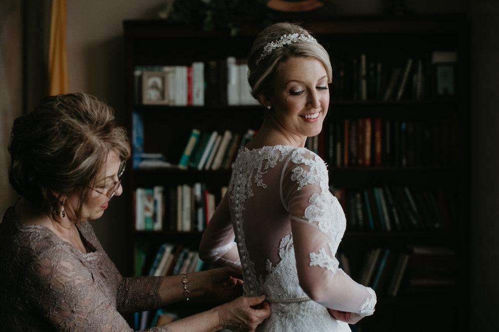 Patterson_Wedding_getting_ready_0055.jpg