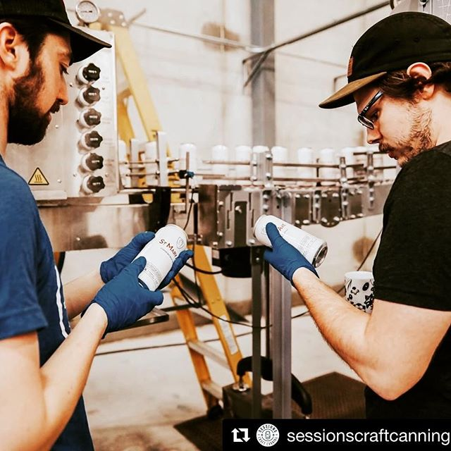 @sessionscraftcanning ・・・ @dunn_jake & the crew triple checking that quality control - great work team! 🙌🏼 . . . #sessionscraftcanning #mobilecanning #stmaryaxebeer #ontariocraftbeer #supportyourlocalbrewery #ontariobeer #beercan #tallcans