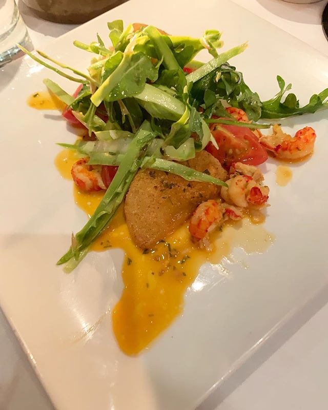 Cornmeal crusted tomatoes at Ocean are the perfect appetizer to get your meal started. In addition to the refreshing tomato flavor, you will also enjoy crawfish, asparagus frisée slaw and tobacco beuree! . . . . #alacartal #alacartealabama #birminghamrestaurants #alabamaeats  #birminghamal #inbirmingham #oceanbirmingham #eatlocal #cornmealcrustedtomatoes #finedining