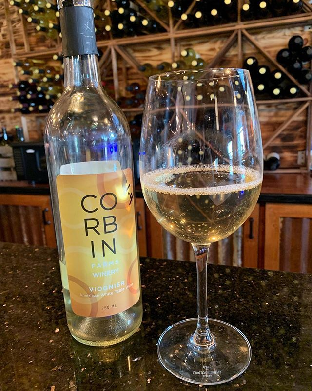 Corbin Farms Winery is a great weekend escape just outside of Birmingham in Calera, Alabama. Wine tastings are just $10 per person and include six wine choices along with discounts in wine purchases. Pictured here is the Viognier which is a dry white wine with hints of apricot and pear.  Very refreshing for a spring evening! . . . . #alacartal #alacartealabama #birminghamrestaurants #alabamaeats  #birminghamal #inbirmingham #corbinfarmswinery #viognierwine #caleraalabama #drinklocal