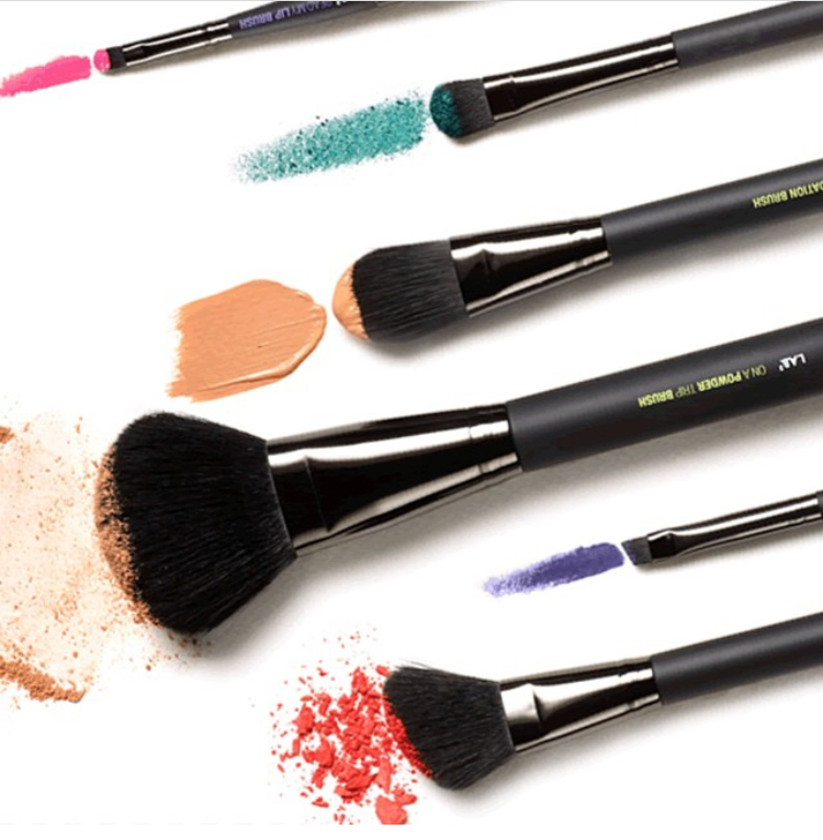 Product Review: L.A.B2 Beauty Brushes- I'm Turning Pro Kit