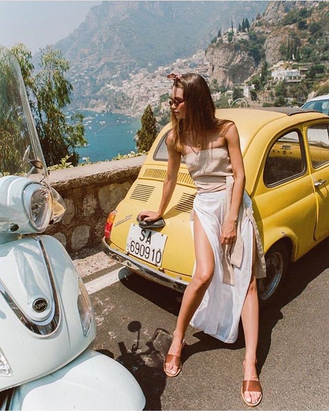 B E L L A  S I G N O R A ❤️🇭🇺 Who's dreaming of driving the Italian coast in a vintage car right about now? So long winter - I'm over you. . . . . .  #fashionblogger #fashion #mensfashion #womensfashion #style #trending #2017 #blogger #fashionblog #cool #london #newyork #ootd #inspiration #model #streetstyle #instafashion #fashionable #fashionblog #streetfashion #menswear #topshop #zara #outfit #gq #vogue #designer #trend #lookoftheday #instastyle