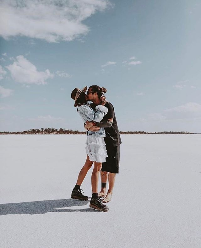 Lovers in Paradise 🖤 • Via @andicsinger  #love #couplegoals #engaged #gettingmarried #couple #photography #photographer #weddingphotography #weddingagency #weddingsquadco #travel