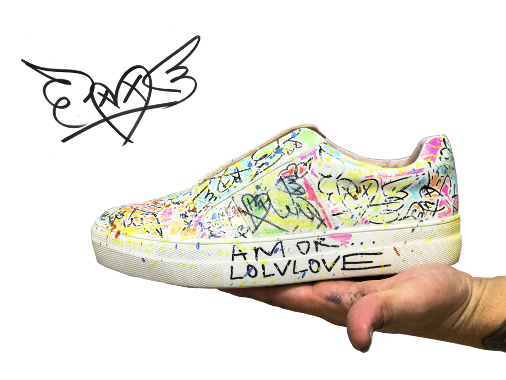 edition of 25 pairs / hand-painted sneakers by TIAGO MAGRO x adhesivo in 2017.