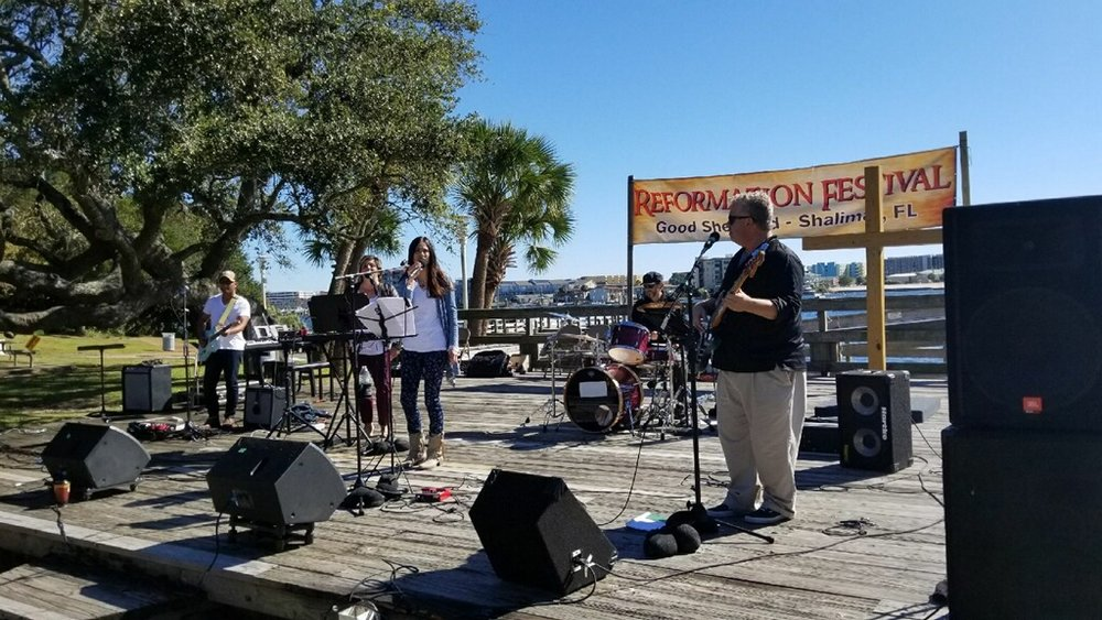 Reformation Festival, Susanna Lynn and the Locals