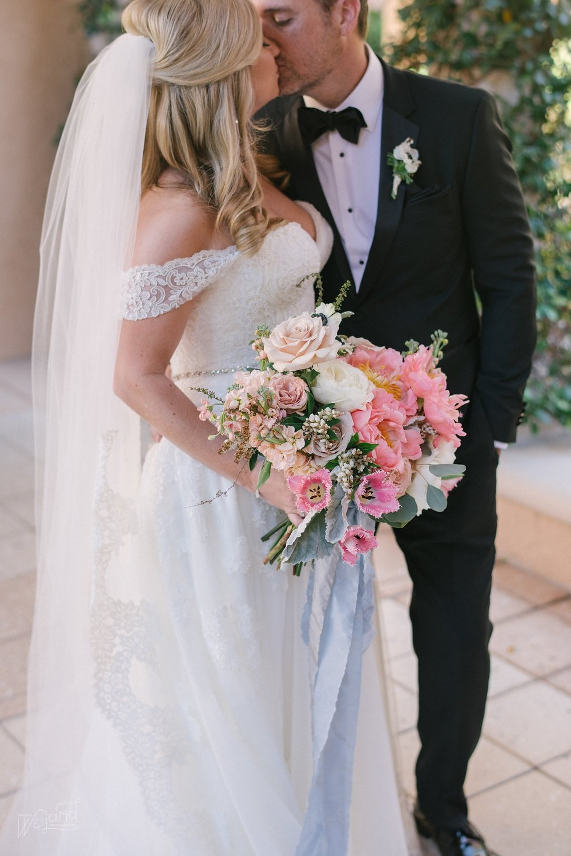 Peach Peony Bridal Bouquet || Lisa Stoner Events || Velvet & Twine || Jordan Weiland Photography