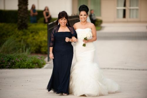 lisa stoner events- waldorf astoria orlando wedding- luxury orlando weddings- luxury wedding planner- white bridal bouquet-white mermaid wedding gown.jpg