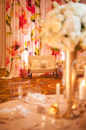 Lisa stoner events- luxury wedding planner- orlando wedding planner- white wedding lounge furniture- white wedding details .jpg