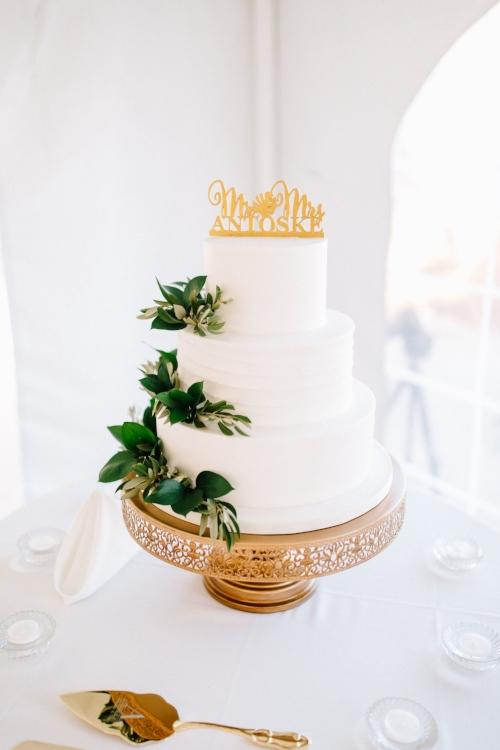 lisa stoner weddings- luxury hammock beach wedding planner- white wedding cake- gold cake stand- custom cake topper- florida wedding planner.jpg