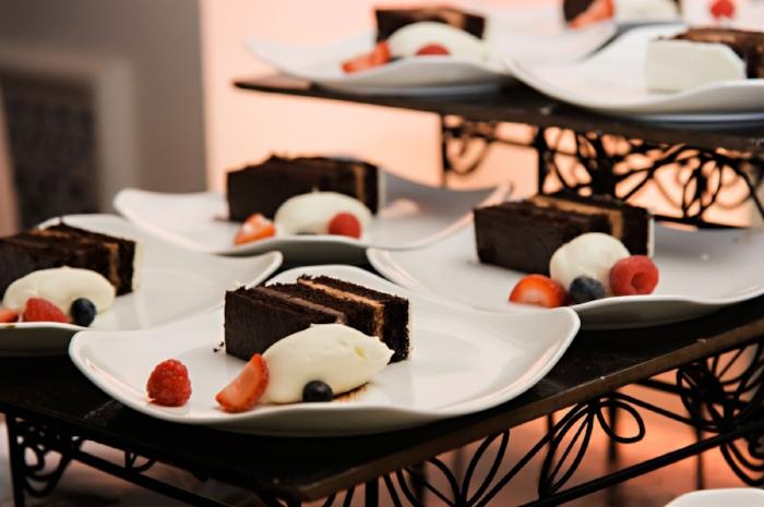 lisa stoner weddings- luruxry wedding planner near orlando- ritz carlton orlando wedding - delicious wedding cake - chocoltate wedding cake - central florida luxury weddings.jpg