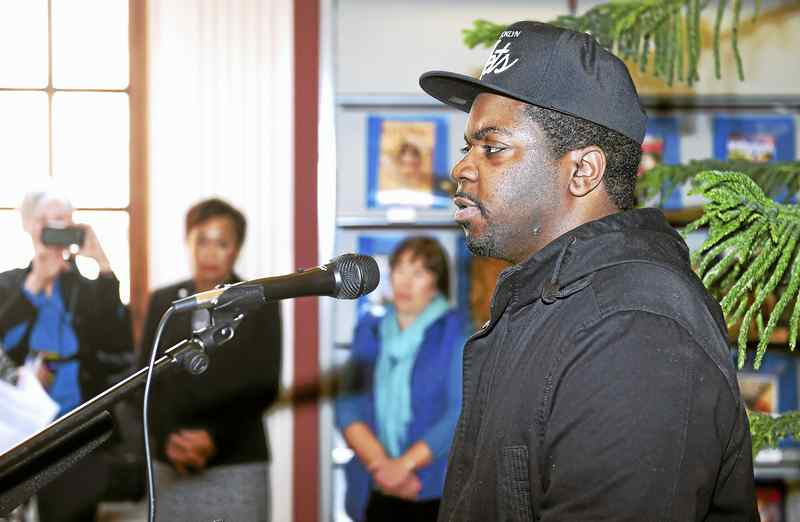 Keishar Tucker, a survivor of solitary confinement, speaks during a press conference about his experience. Credit: Arnold Gold-New Haven Register. http://www.nhregister.com/20170130/in-new-haven-inside-the-box-exhibit-offers-up-close-look-at-solitary-confinement-cell