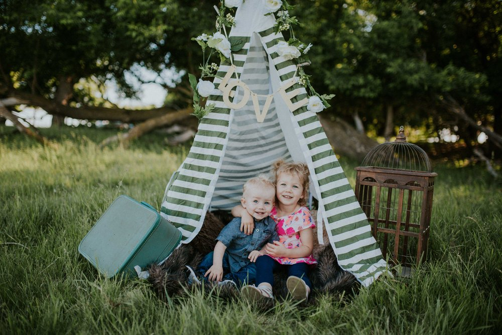 What an enjoyable, yet crazy evening with these two youngsters. I had a blast and I think they did too with this cute set up. Mom & Dad sure are lucky to have these to cuties in their lives.