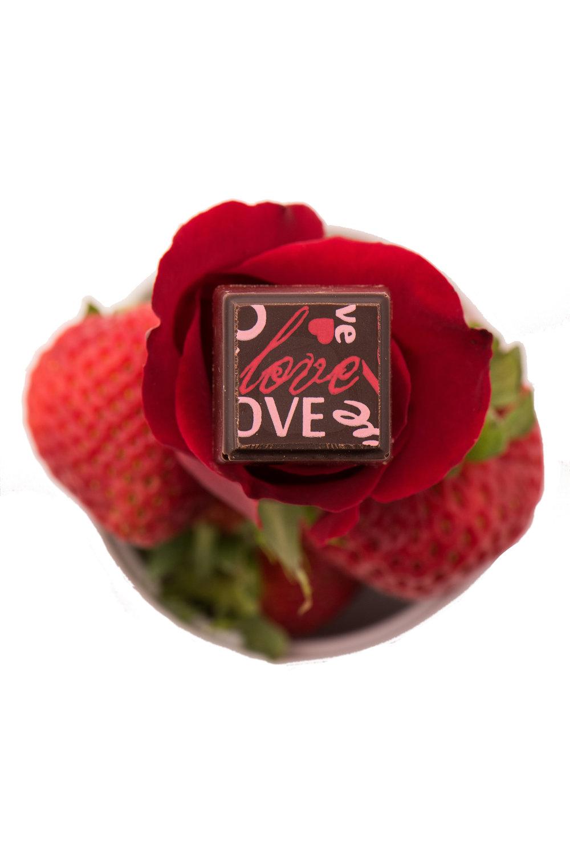 Delysia-Chocolatier-Red_Velvet-Chocolate-Truffle.jpg