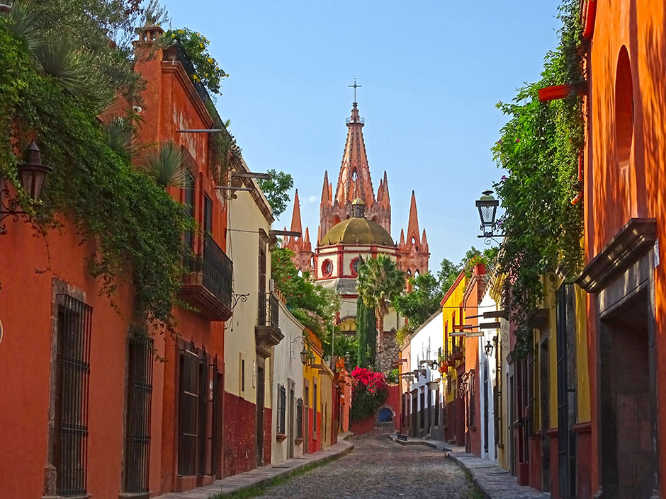 One of the many cobblestone streets in San Miguel de Allende