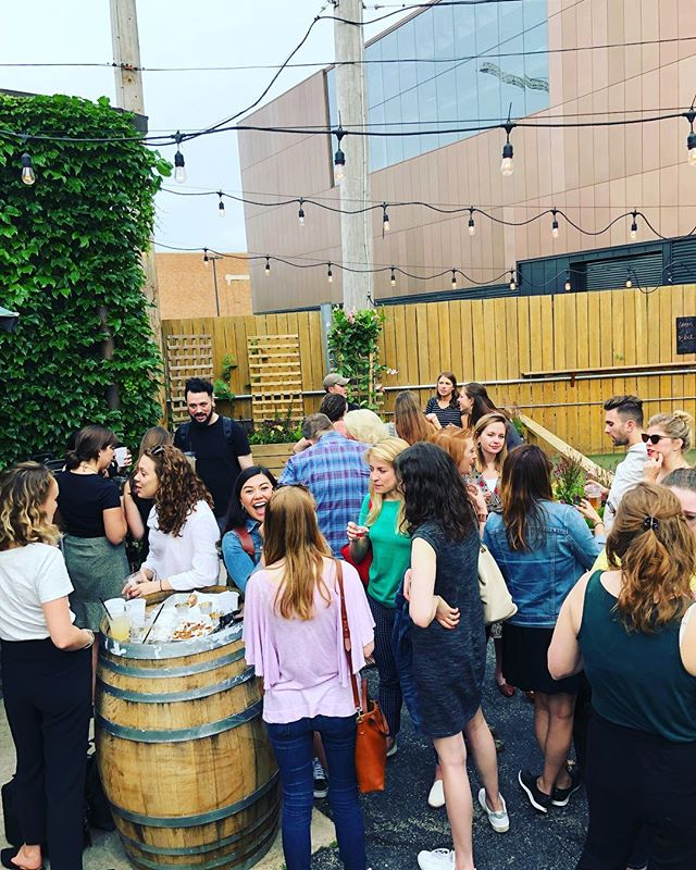 Tonight we hung out in a beer garden, chatted about life and dreamed about our next adventures! Join us at next month's happy hour - location coming soon 😊