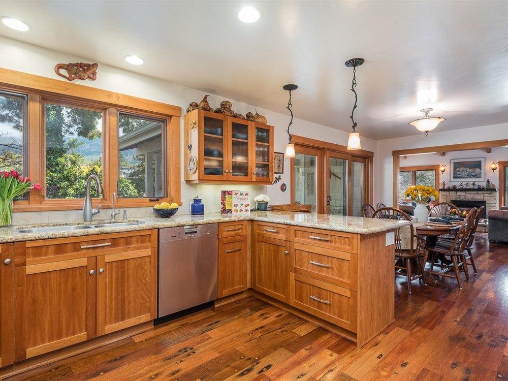 024_24-Kitchen.jpg