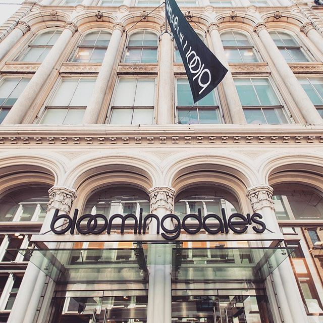 Unplug with us tomorrow: We'll be @bloomingdales SoHo to give 15 minute complimentary FaceLoves 👜❤️💆🏽