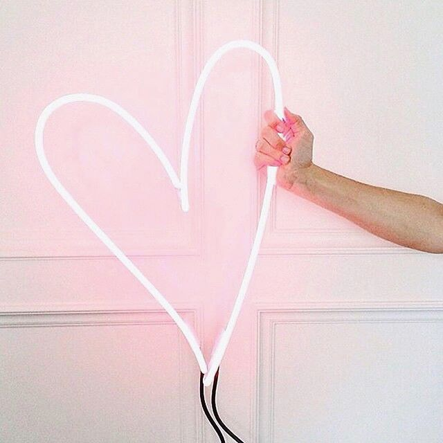 Anyone else in love 💘with @goop? We've got some exciting news so stay tuned! . . . . . . #BeautyWellness #NYC #LovetoLoveYou #FaceLove #GiveLove #SpreadLoveLikeGlitter