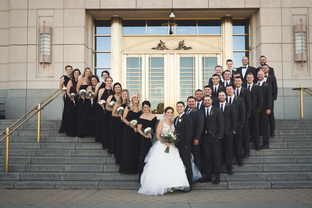 2star_des-moines-wedding-sadie-derek-27.jpg