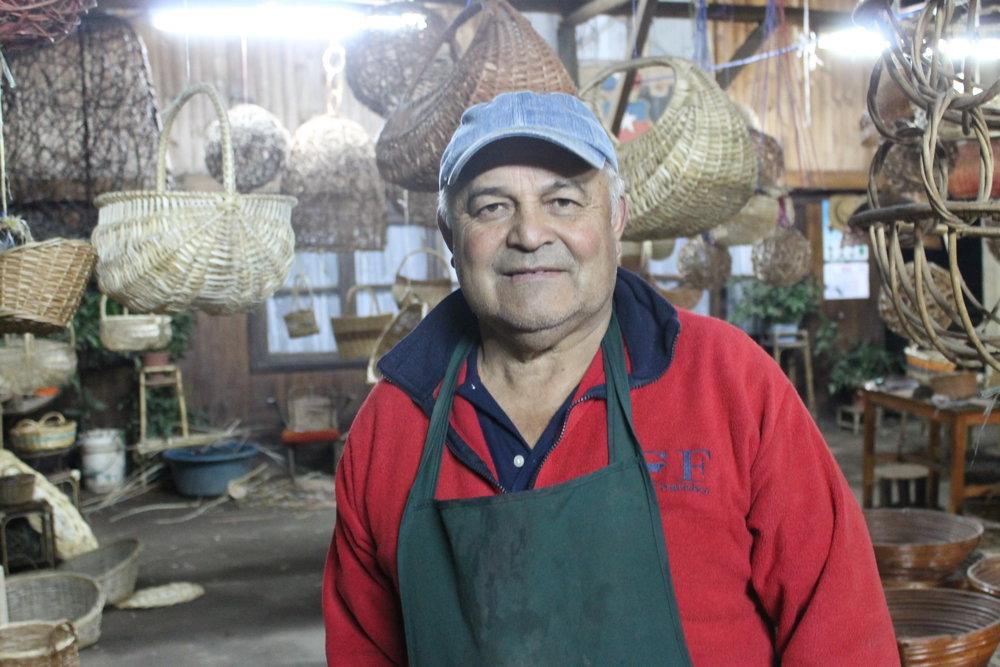 Carlos Salas Celis    Chimbarongo, Chile .   VER COLECCIÓN
