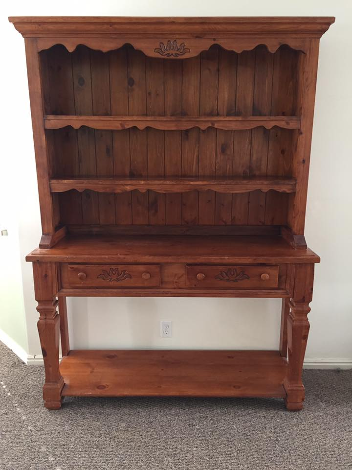 BEAUTIFUL farm style hutch!Enjoy picking your own colors/stain to match your home!Message us TODAY! -