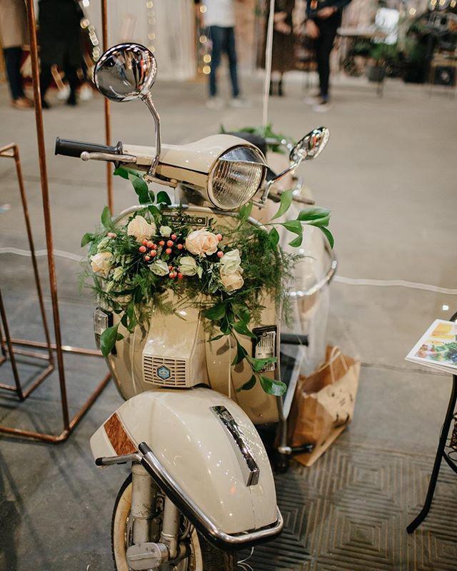 Przepiękna #vespa była częścią stoiska @wedding.angels 😍 #silesiaweddingday
