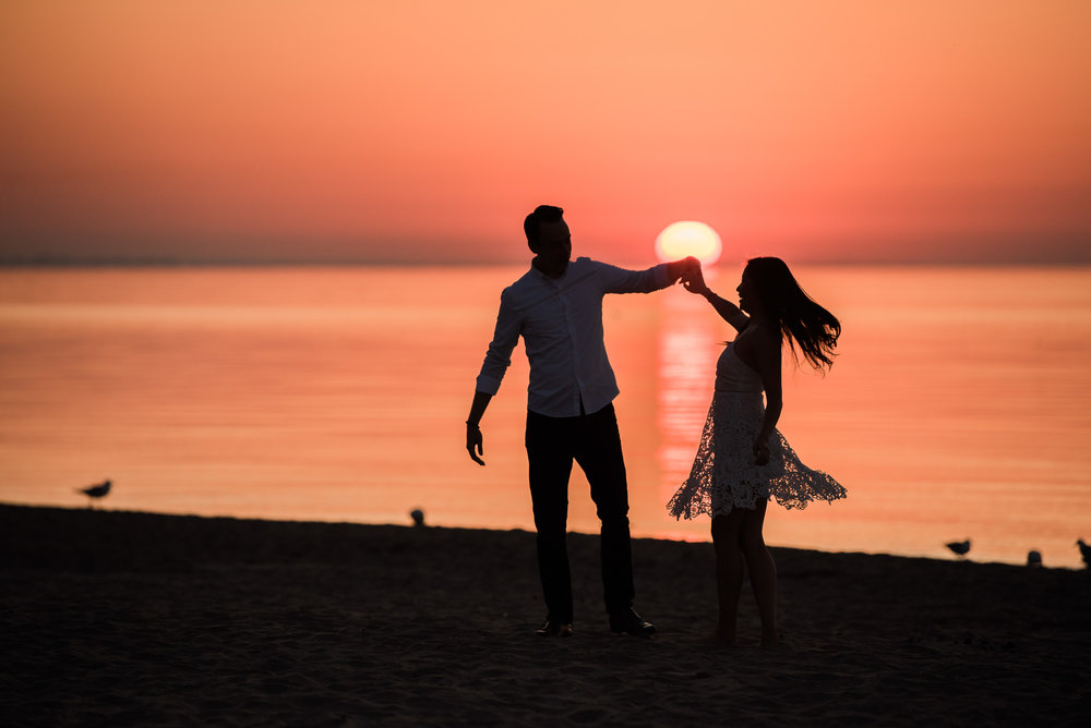 engagement-photography-toronto-london-ontario-sunrise-silhouette-beach.jpg